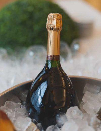 bouteille de champagne en seau