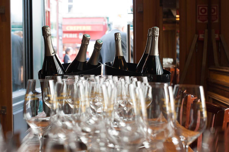 Bouteilles de Champagne en Seau prises lors de la Paulée Décalée