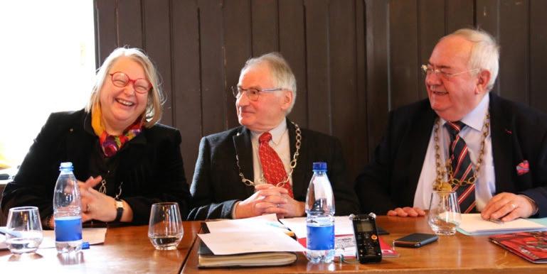 Martine Becker, Jean-Paul Goulby et Pascal Schultz dans la salle capitulaire du château ©sandrine Kauffer