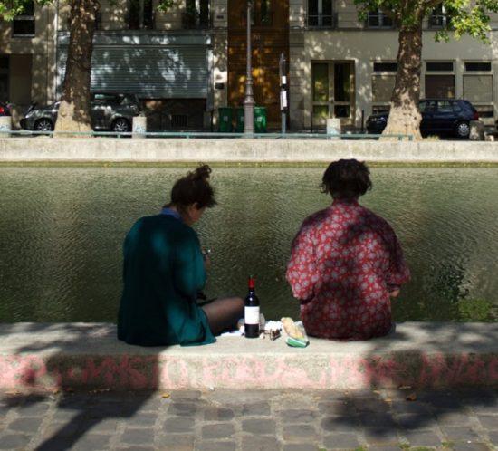 Pique-Nique au vin sur les quais parisiens photo @MARTIN BUREAU / AFP