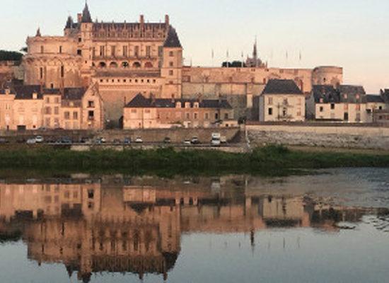 Connue pour son château (mais aussi le Clos Lucé et le château Gaillard), la ville d'Amboise aura prochainement sa propre appellation.
